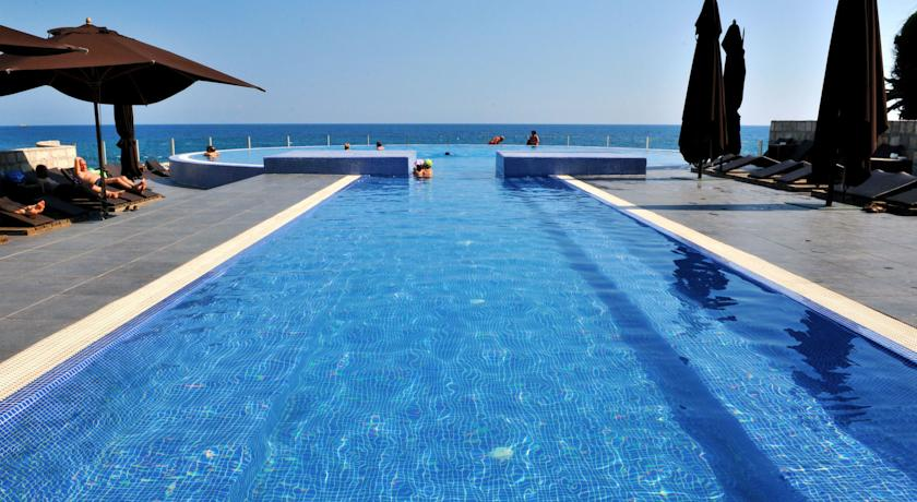 Hotel Avala Resort & Villas 4*